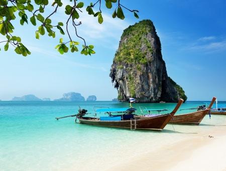 Berlayarlah Menuju Pantai Harapan